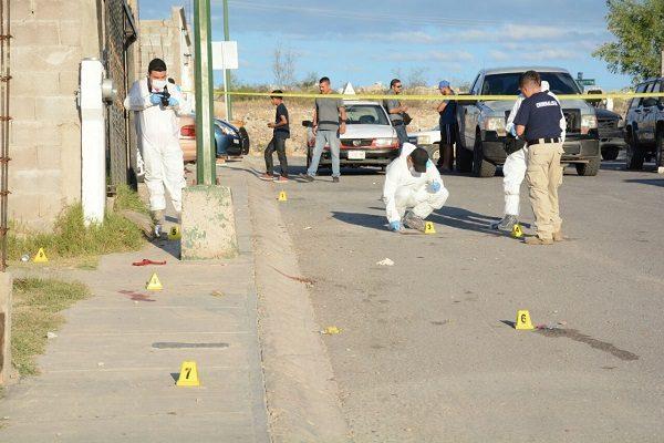 Muere joven a puñaladas y otros dos resultan heridos en riña