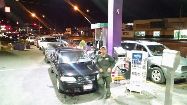 ¡No hay gasolina! Gasolineras cerradas y otras con largas filas