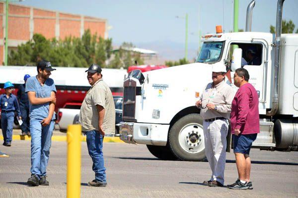 Desabasto de gasolina pega en zona rural, sufren la crisis