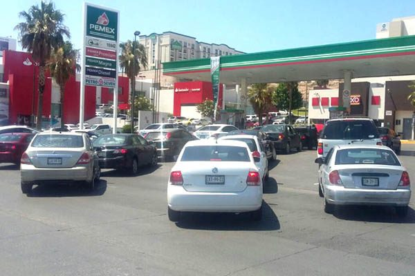 Sin gasolina 70% de estaciones, servicio normal hasta el viernes