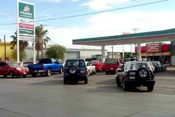 Comienza a regularizarse el abasto de gasolina en estaciones