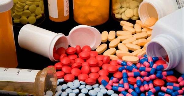 Antidepresivos ineficaces y peligrosos en niños y adolescentes