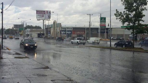 Vuelve granizo y lluvia a la ciudad de manera repentina