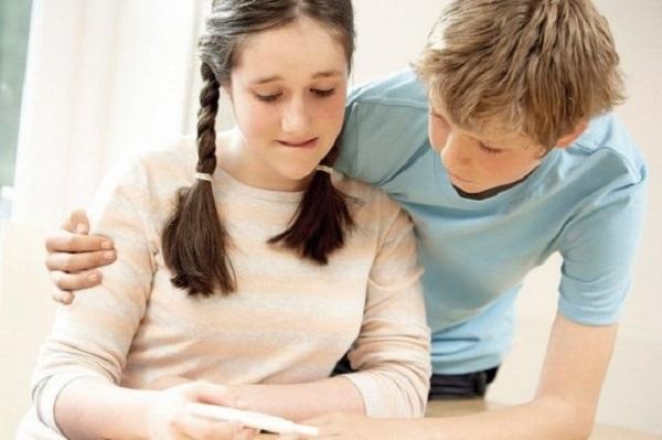 Se embarazan, promedio, 2 adolescentes cada ciclo escolar de la secundarias