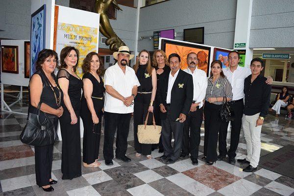 """Alumnos de José Lucero inauguran exposición """"Mitos de Macondo"""""""