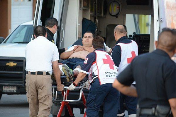 Sujetos con trajes tácticos abrieron fuego en contra de dos ciudadanos