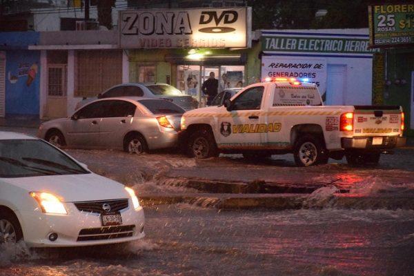 Atendió Vialidad 11 choques por lluvias y 14 vehículos varados