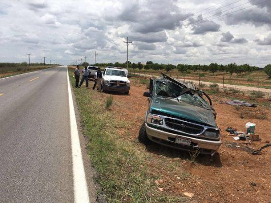Aparatosa volcadura en la carretera Parral-Jiménez con saldo mortal