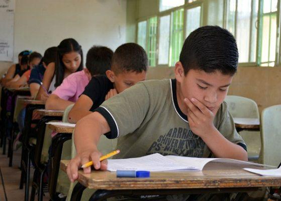 Identifique las secundarias que aún tienen cupo para sus hijos