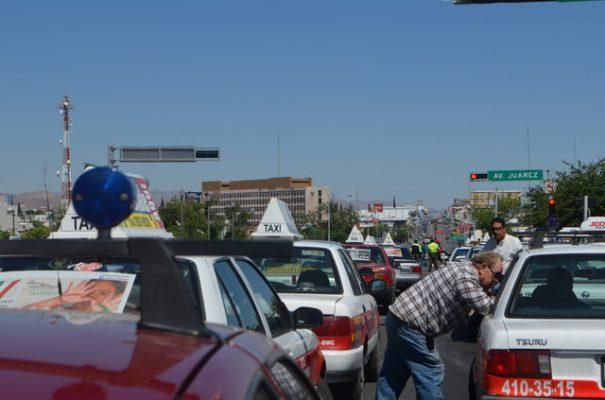 Continuará cacería de Uber, taxistas les pondrán emboscadas aseguran