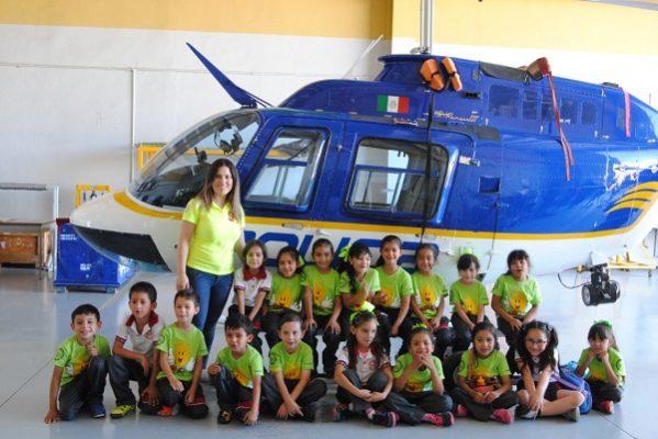 Visitan decenas de niños instalaciones de la Policía Municipal