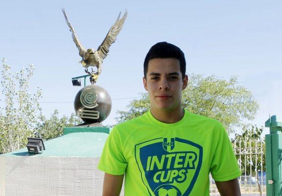 Estudiante del Cobach Plantel 6 jugará futbol en Europa