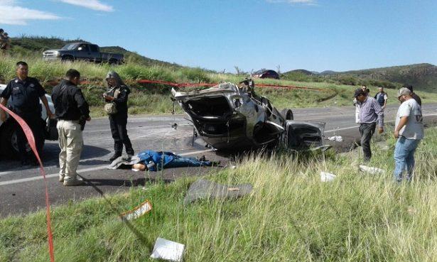 Un muerto y dos heridos en choque sobre la carretera a Cuauhtémoc