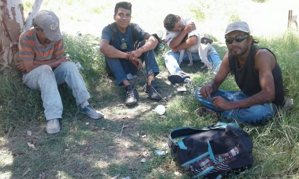 """Vienen hasta 40 inmigrantes al día a la ciudad en busca de un """"sueño"""""""