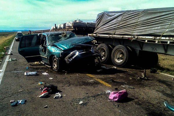 Mueren dos niños y un adulto en choque en la carretera a Agua Prieta