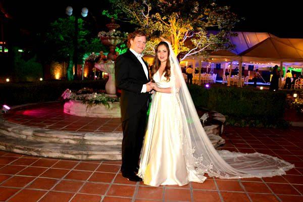 Celebraron su enlace Adriana Reyes y Alfredo Garza Castillón