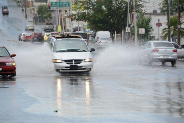 Caen ligeras lluvias al norte y sur de la ciudad