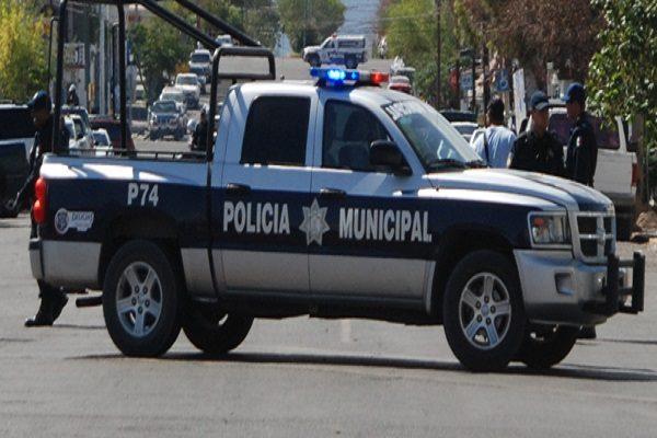 Ordenan retirar el polarizado de patrulla en Parral