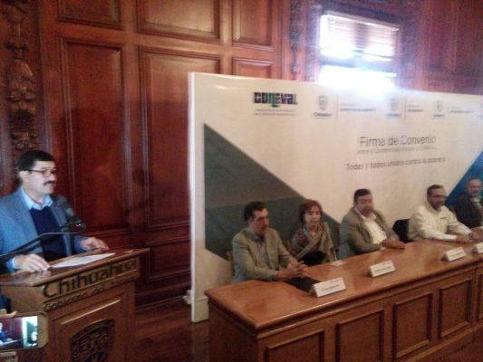 Firma Gobierno y Coneval convenio de colaboración para combatir pobreza
