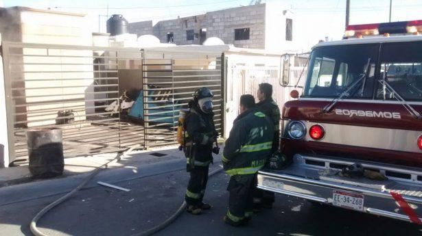 Resulta mujer con quemaduras al incendiarse su vivienda por calefactor