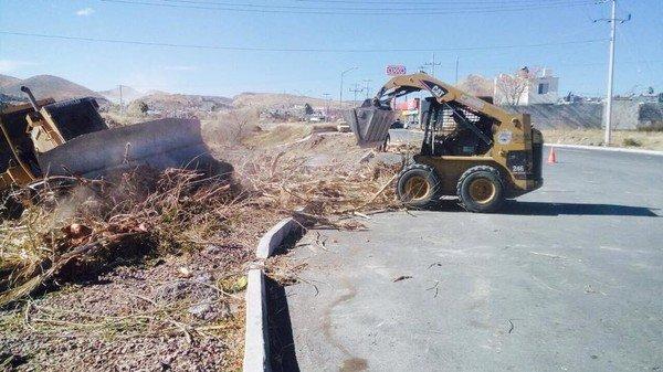 Recogen 29 toneladas de basura y escombro del arroyo El Mimbre