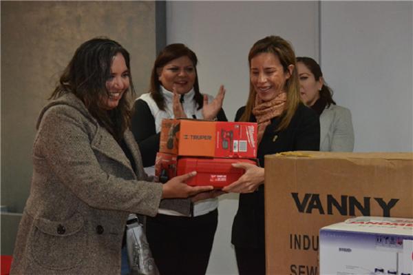 Entregan Municipio y Canacintra apoyos a emprendedores locales