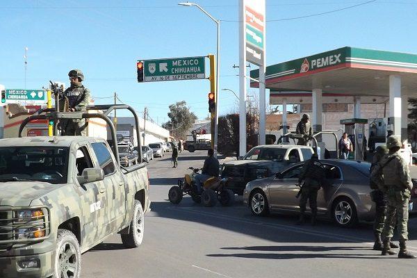 Realiza Ejército operativo y hallan armas en auto