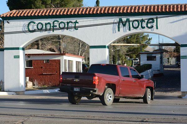Reconocido estilista se quita la vida en un motel a la salida Cuauhtémoc