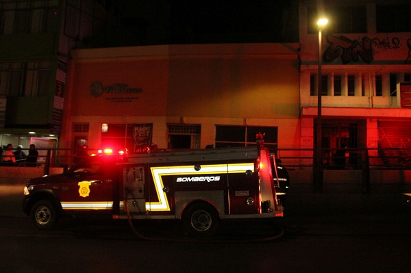Se incendia agencia de viajes en la colonia Centro