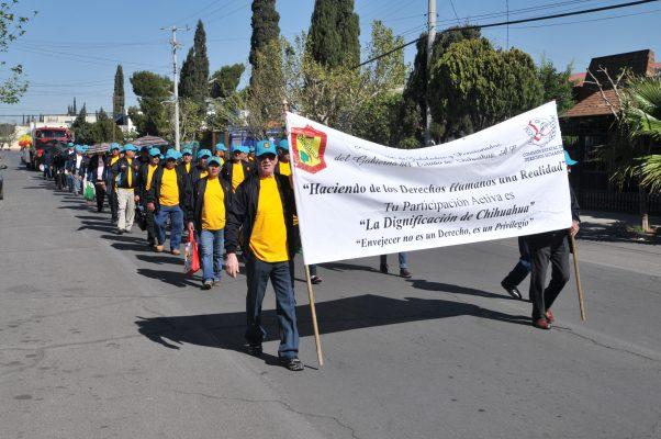 Conmemoran jubilados el natalicio de Benito Juárez