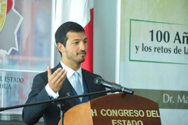Imparten en Congreso conferencia sobre centenario de la Constitución