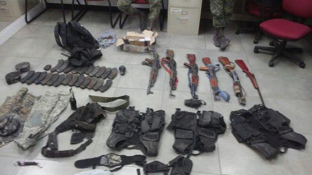Aseguran armas, una granada y cientos de cartuchos útiles en Urique