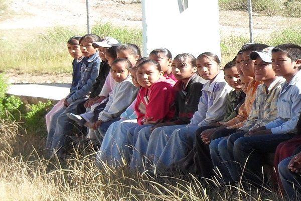 Abandonan a 18 niños sus padres tarahumaras