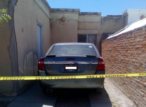 Agentes de la FGE aseguran vehículo robado por internos que se fugaron de un centro de rehabilitación