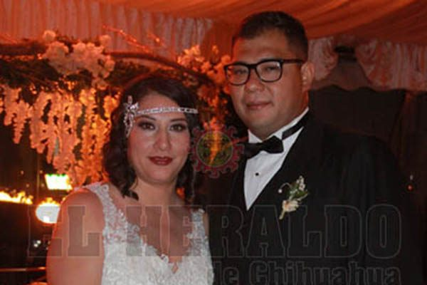 Monserrat Rico  y  Hugo Luis León celebraron su enlace