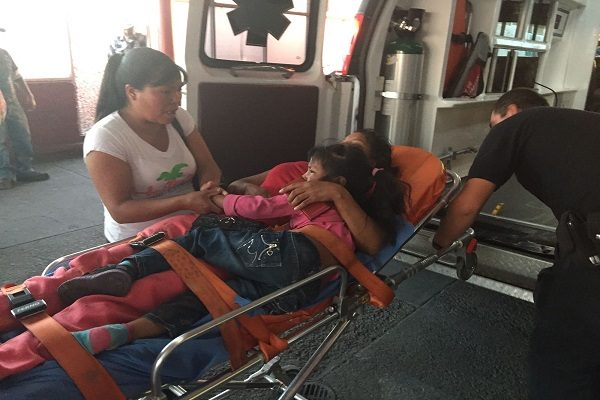 Choque de frente deja 2 muertos y 10 heridos en carretera Nonoava