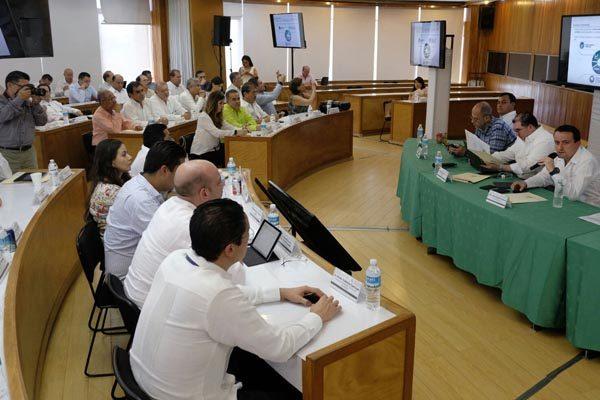 Director nacional del IMSS pide a delegados acelerar mejoras en el servicio