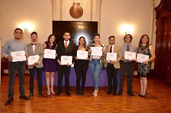 Premian en la Quinta Gameros a Periodistas del Mañana