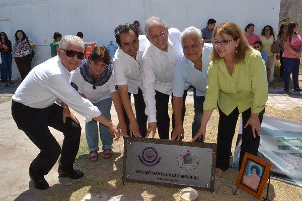 Colocan primera piedra de nuevas instalaciones del Colegio Sathya Sai