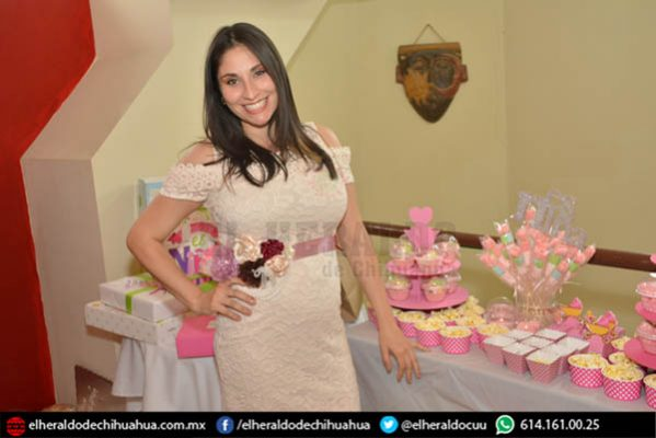 Tania Zermeño espera bebé