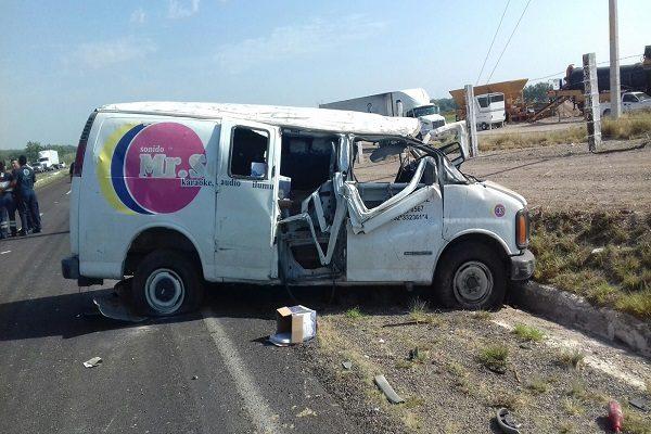 Mueren 3 en volcadura en carretera Camargo-Saucillo