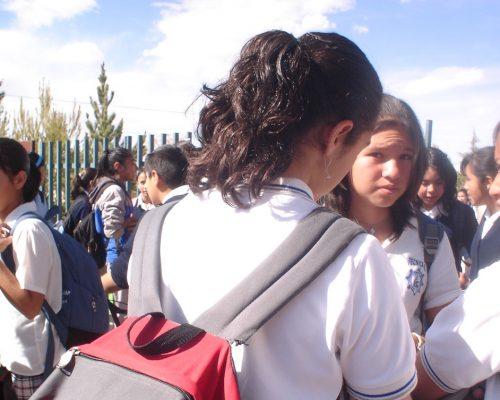 Difunden video de grave caso de bullying contra jovencita