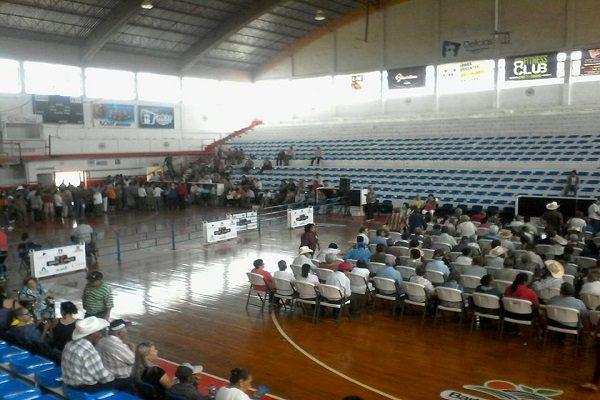 Pasan sed adultos mayores en el Gimnasio Municipal de Delicias