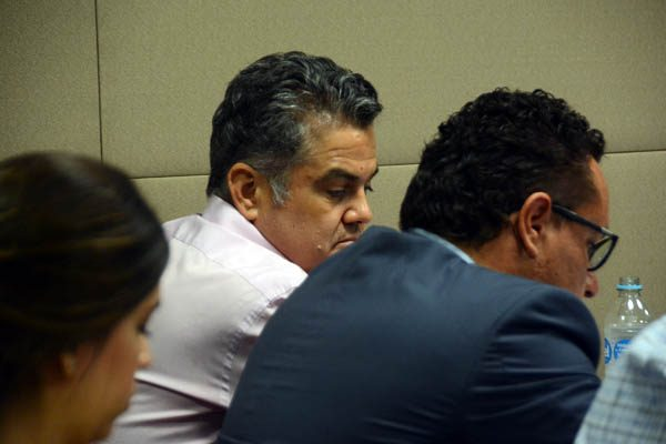 Fueron aportaciones voluntarias, insiste defensa de Esparza Flores