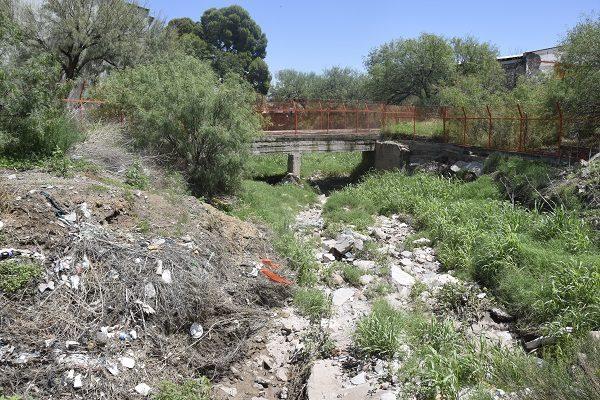 Arroyo La Cañada convertido en basurero clandestino