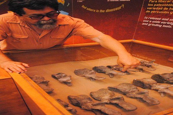 Visitan geólogos de la UNAM Museo del Desierto
