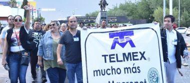 Marchan pacíficamente trabajadores de Telmex