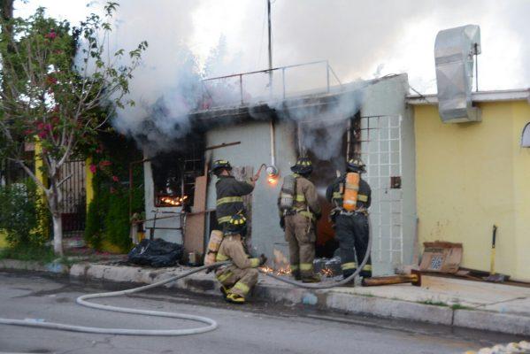 Gran movilización por incendio de taller de aires sobre la Avenida Mirador