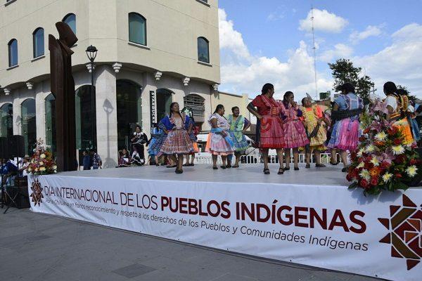Celebran Día Internacional de los Pueblos Indígenas en Plaza de Armas
