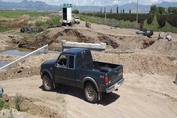Se manifiestan exigiendo celeridad en trabajos del puente El Picacho